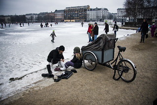 Skates - Cycling in Winter in Copenhagen | by Mikael Colville-Andersen
