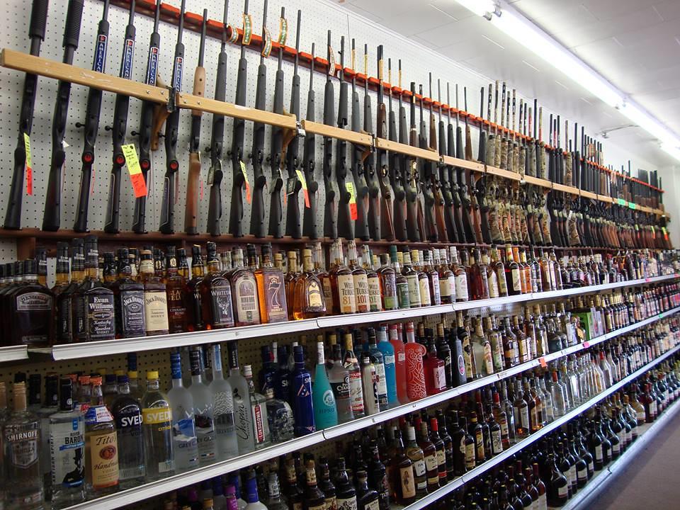 Wisconsin Gun and Liquor Store