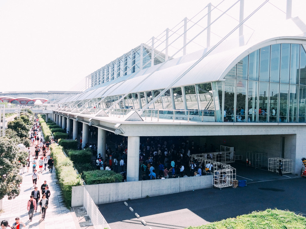 AKB48 Handshake Event at Makuhari Messe