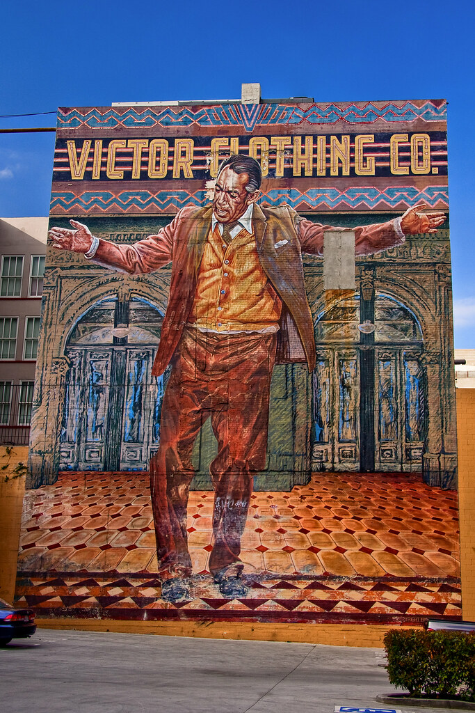 Pope of broadway artist eloy torrez 39 s 1985 mural the for Anthony quinn mural