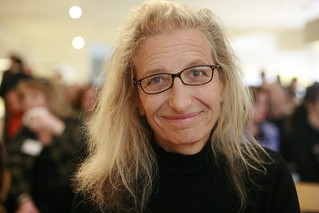 Annie Leibovitz at her SF exhibition | by Robert Scoble