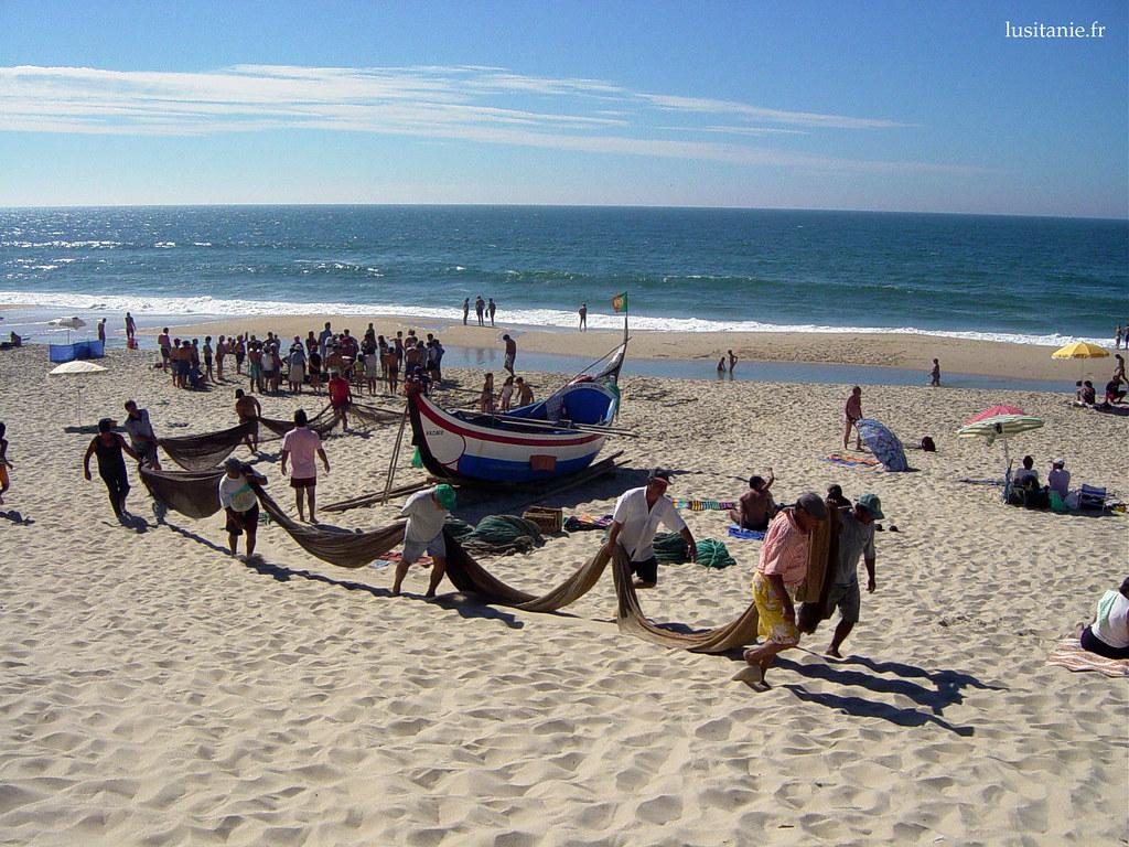 Filets de pêche sur la plage