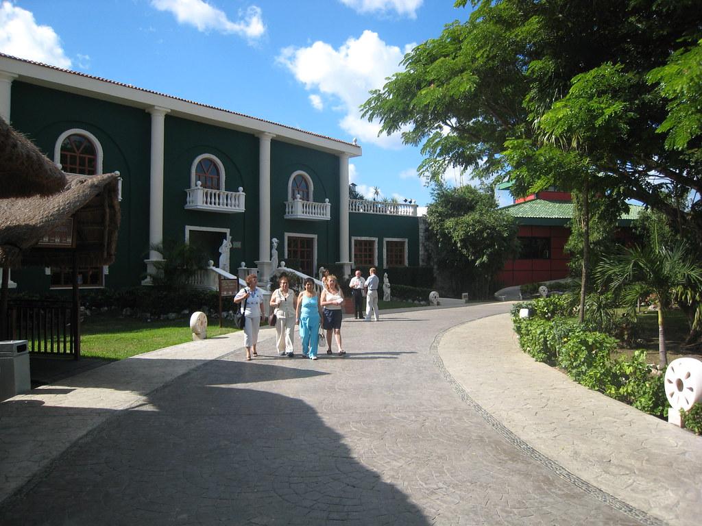 Sandos Caracol Beach Resort And Spa