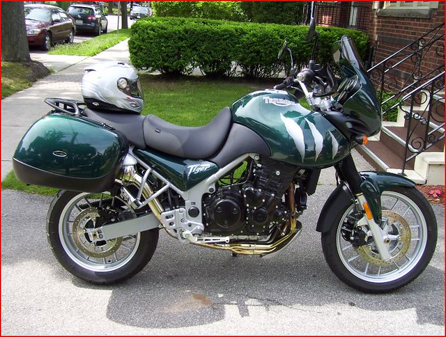 2005 triumph tiger 955i right side day after purchase. Black Bedroom Furniture Sets. Home Design Ideas