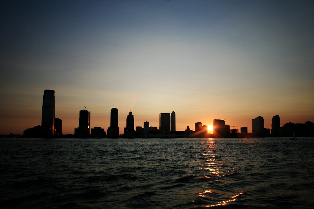 Jersey City Sunset and the Hudson | The sun sets over the ...