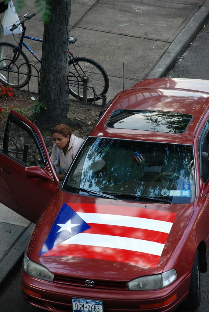 puerto rican car i need a big flag for my car 39 s hood joe shlabotnik flickr. Black Bedroom Furniture Sets. Home Design Ideas