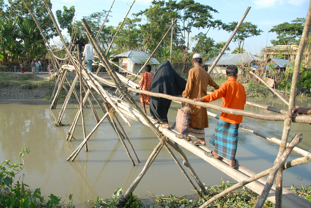 Bamboo Bridge | People, including children, are walking on