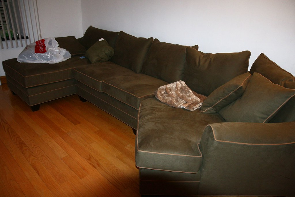sectional with chaise and cuddler sectional raymour and flanigan model forest hill 3 7878
