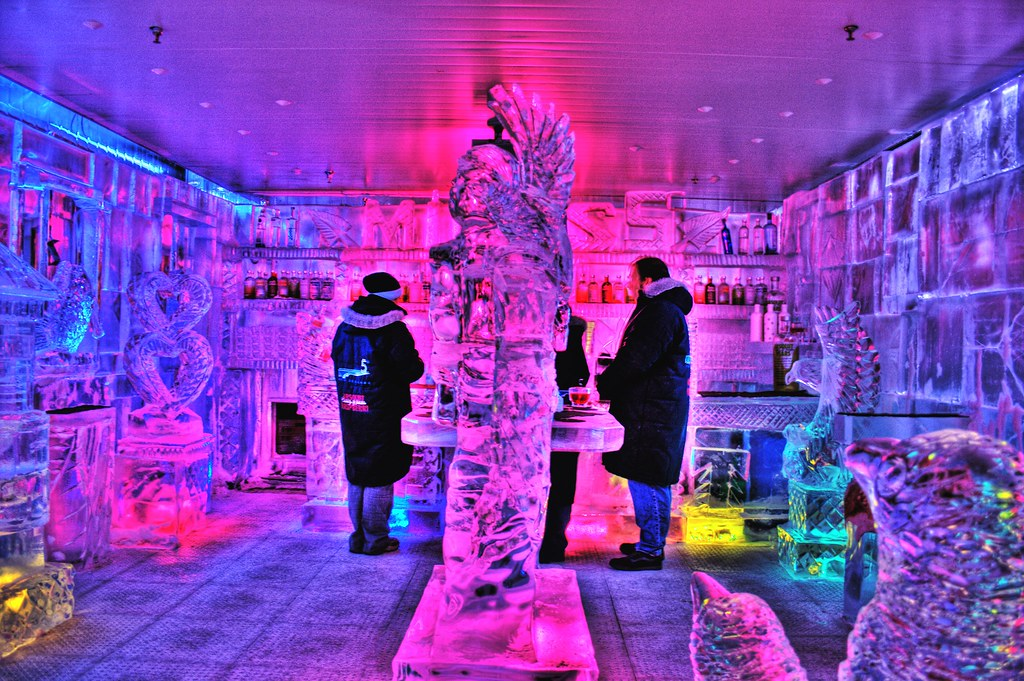 Minus5 Ice Bar Queenstown | The Williams clan at Minus 5 ...