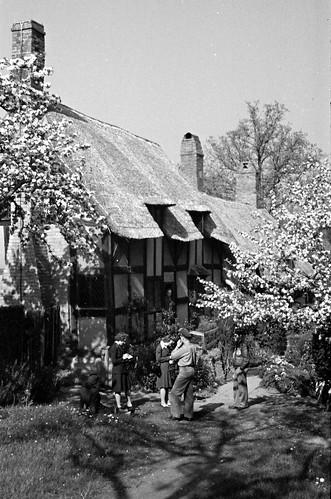 1701 Ann Hathaways house Stratford on Avon