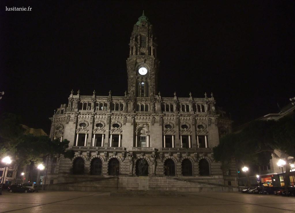 Mairie de Porto sur l'avenue des Aliados
