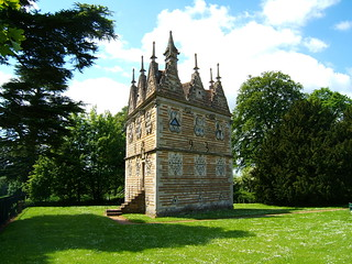 triangular lodge,RUSHTON | by brian eglington