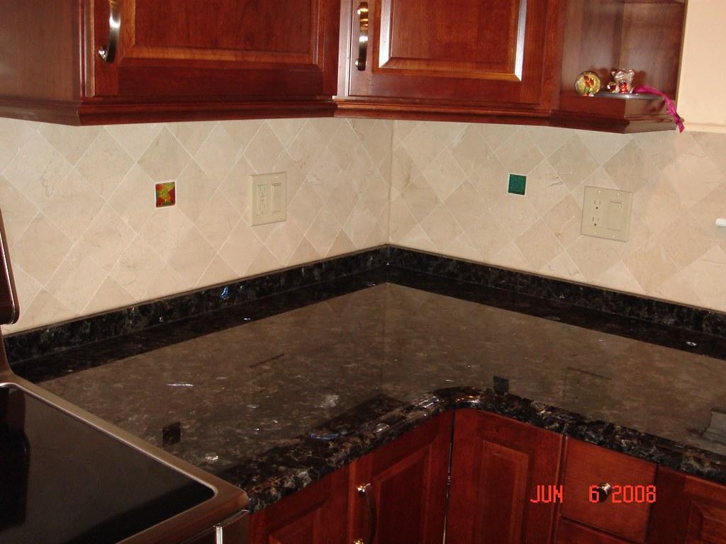 Kitchen Backsplash Glass Tiles Trending