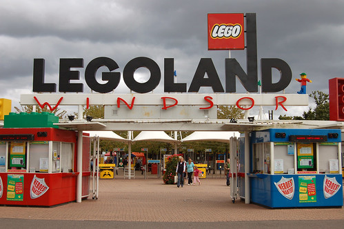 Legoland Windsor - Entrance | by Rob Young