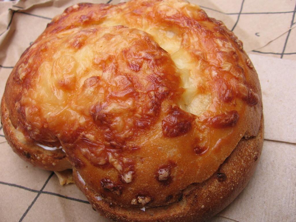 panera bread asiago cheese bagel