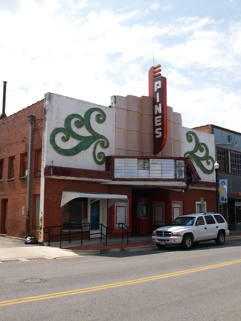lufkin texas old small town movie theater square building