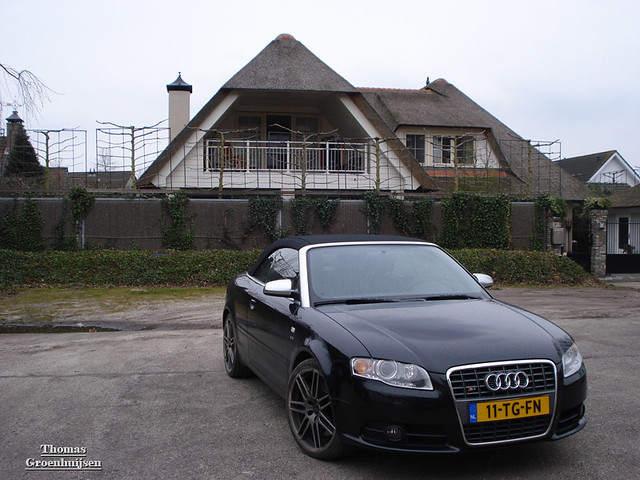 audi s4 cabrio nice audi s4 cabrio in front of a big. Black Bedroom Furniture Sets. Home Design Ideas