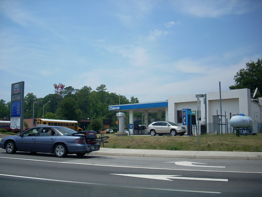 Chevron a chevron gas station and convenience store in new flickr - Grillplaat gas b ruleurs ...