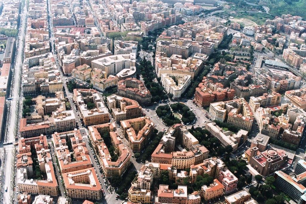 Volo su roma piazza mazzini uno dei punti di ritrovo - Mercatino di natale piazza mazzini roma ...