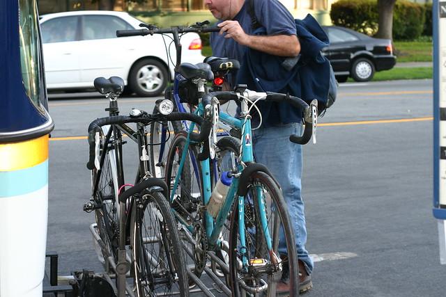 how to put bike on bike rack bus