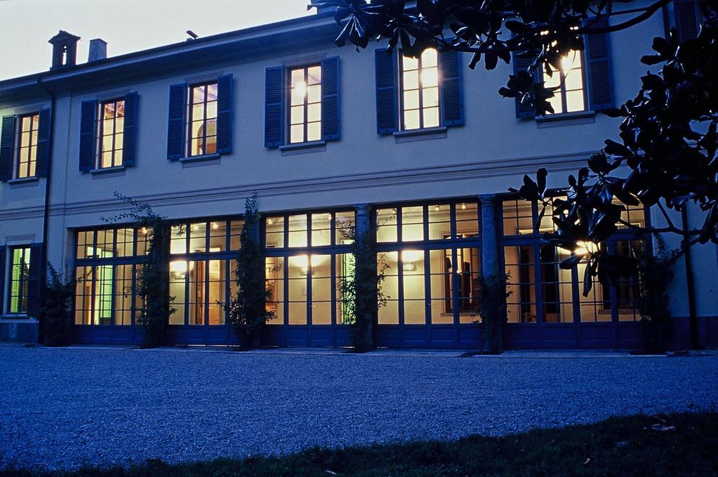 Biblioteca di Giussano - Villa Sartirana  Esterni di Villa ...