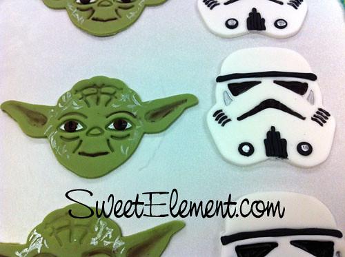 Yoda & Stormtrooper Fondant Decor Close-up | www ...
