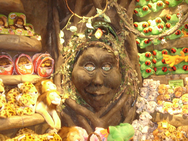 Tracy The Talking Tree The Rainforest Cafe Gift Shop In
