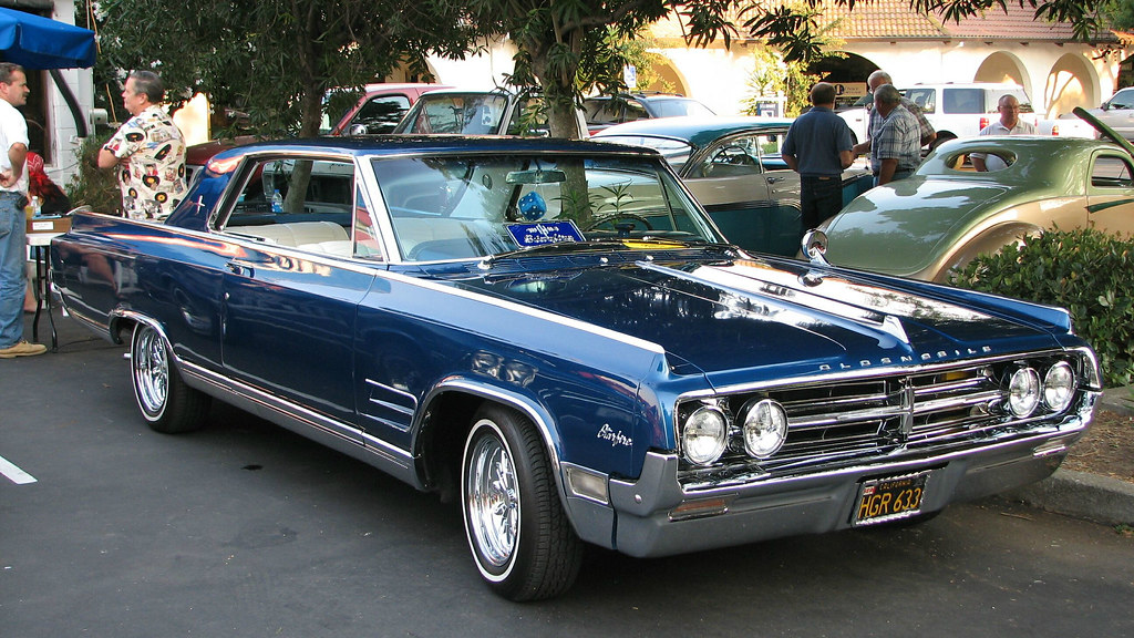 1964 Oldsmobile Starfire Hgr 633 2 Photohraphed At The