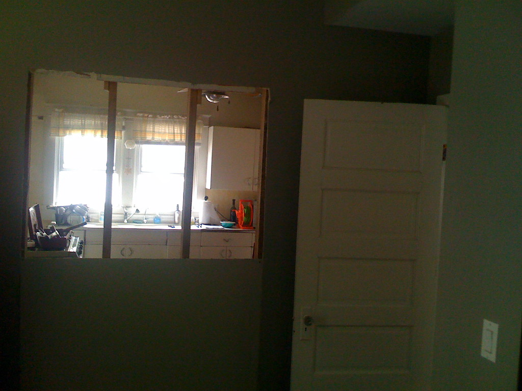 Closing Off The Door To The Kitchen From The Guest Room Flickr