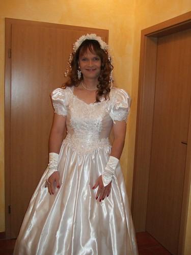 Фото кроссдрессер в свадебном платье