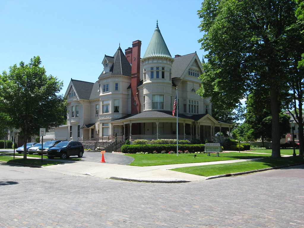 Perry hannah house traverse city michigan joseph flickr for 3 4 houses in michigan