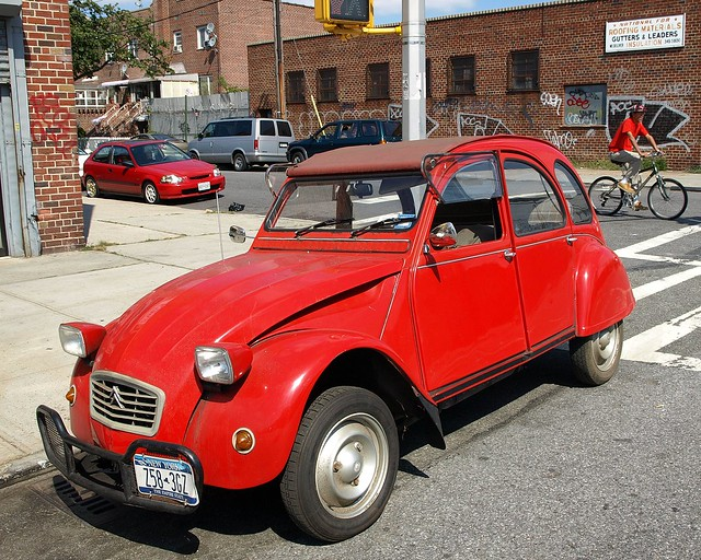 red 1972 citroen deux chevaux 2cv6 club brooklyn new york city flickr photo sharing. Black Bedroom Furniture Sets. Home Design Ideas