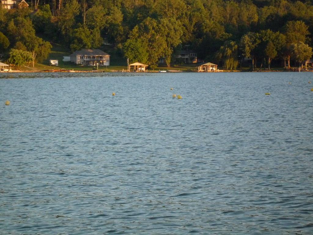 P1000637 jug fishing on watts bar lake mark mccarter for Watts bar fishing report