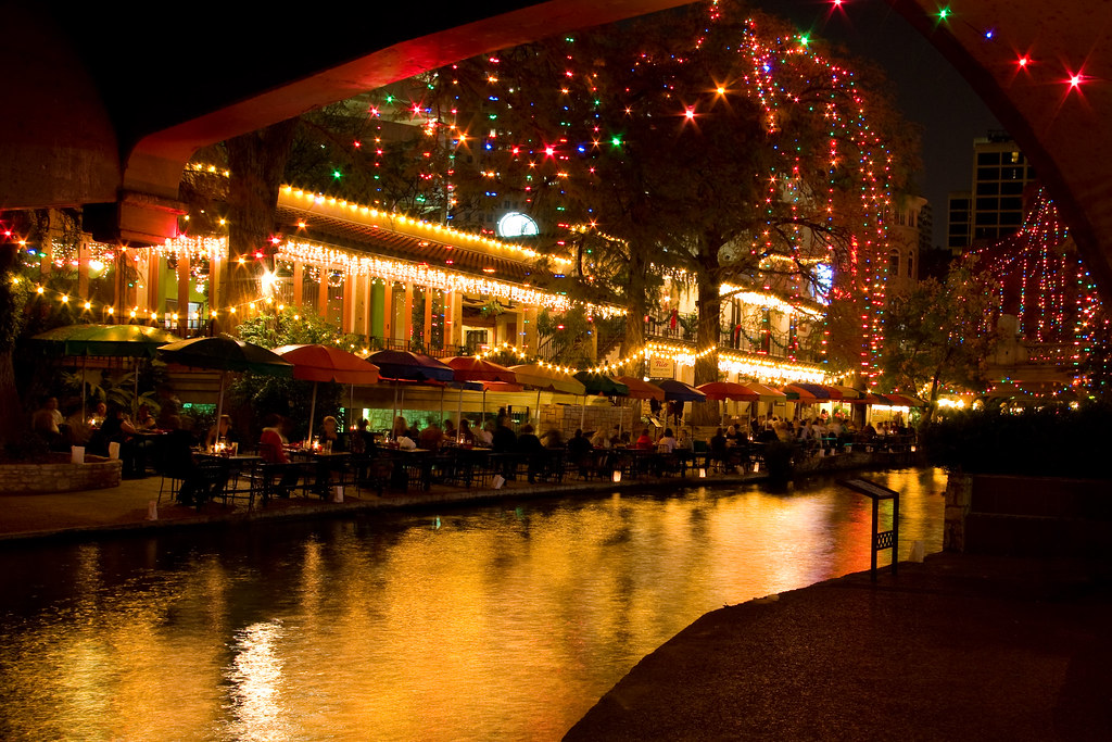 San Antonio Riverwalk Deals Hotels