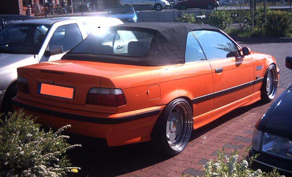 2004 04 26 aachen bmw cabrio 1 orangener bmw 3er cabrio. Black Bedroom Furniture Sets. Home Design Ideas
