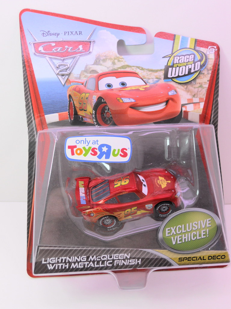 Disney cars 2 toys r us exclusive lightning mcqueen with m for Bureau cars toys r us
