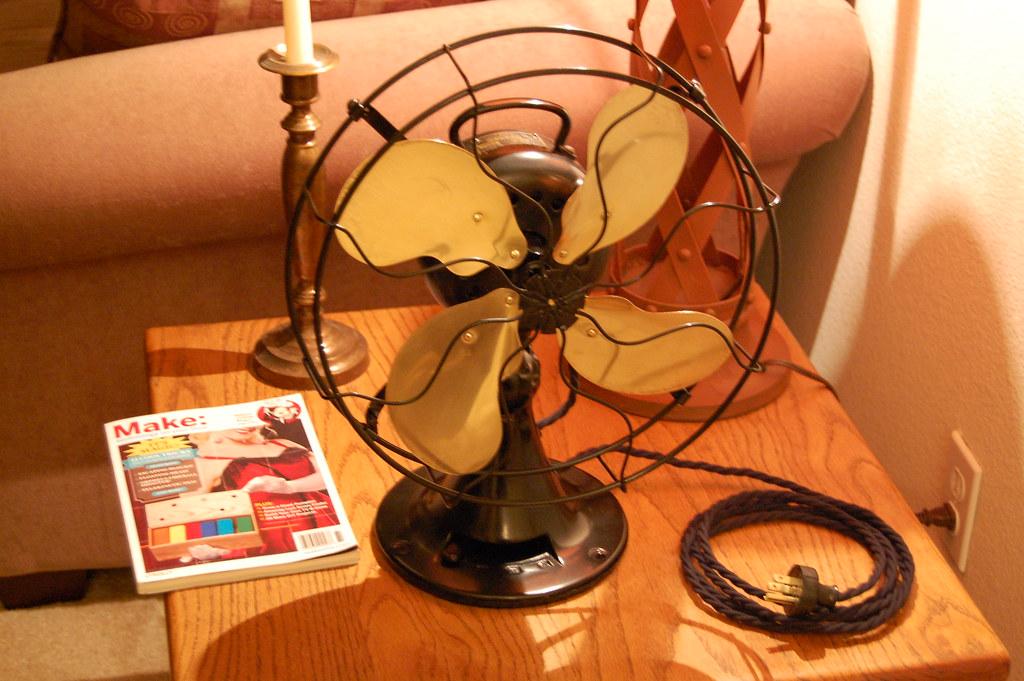 3 Prong Plug Desk Fan : Emerson antique desk fan here is my