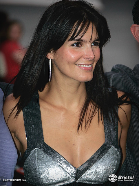 Is Angie Harmon Hair Naturally Curly