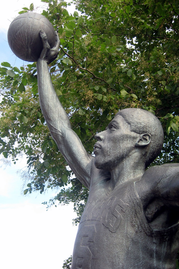Philadelphia The Spectrum Julius Erving Statue This Sta Flickr