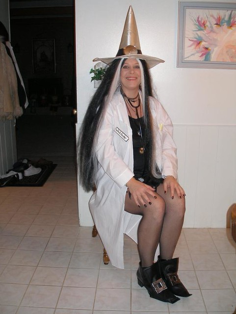 Witch Doctor | Halloween 2008 - Me posing for a picture at 3