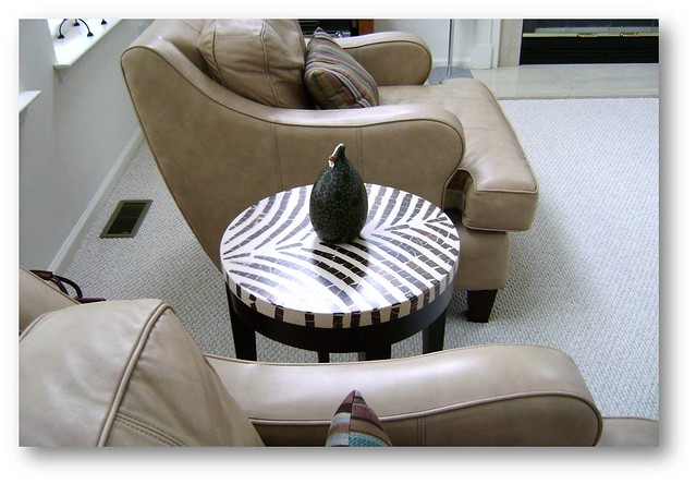 D 39 luxe decor zebra print side table the new home of for Css table zebra design