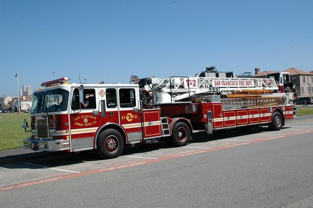 San Francisco Fire Dept Sffd Tiller Ladder 2 Florian