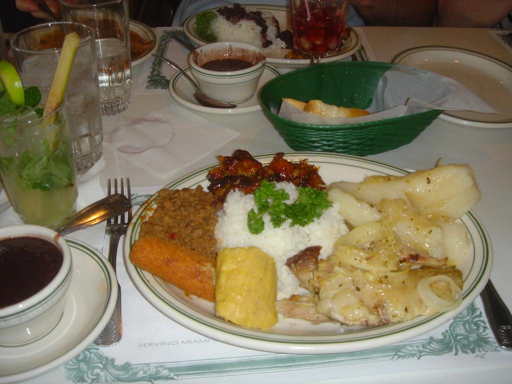 I heart cuban food versailles restaurant little havana - Cfa versailles cuisine ...