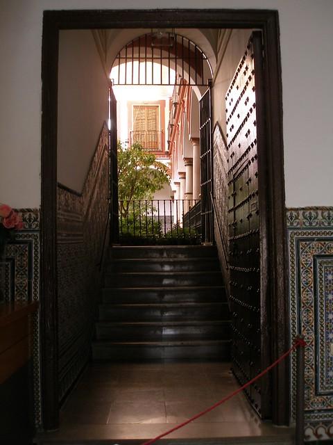 La casa de sevilla flickr photo sharing for Casas de sofas en sevilla
