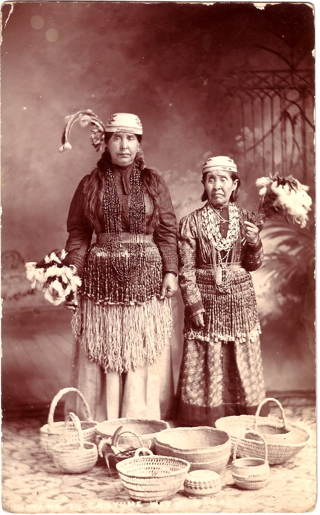 Native American Women On The Oregon Coast Early 20th Cent