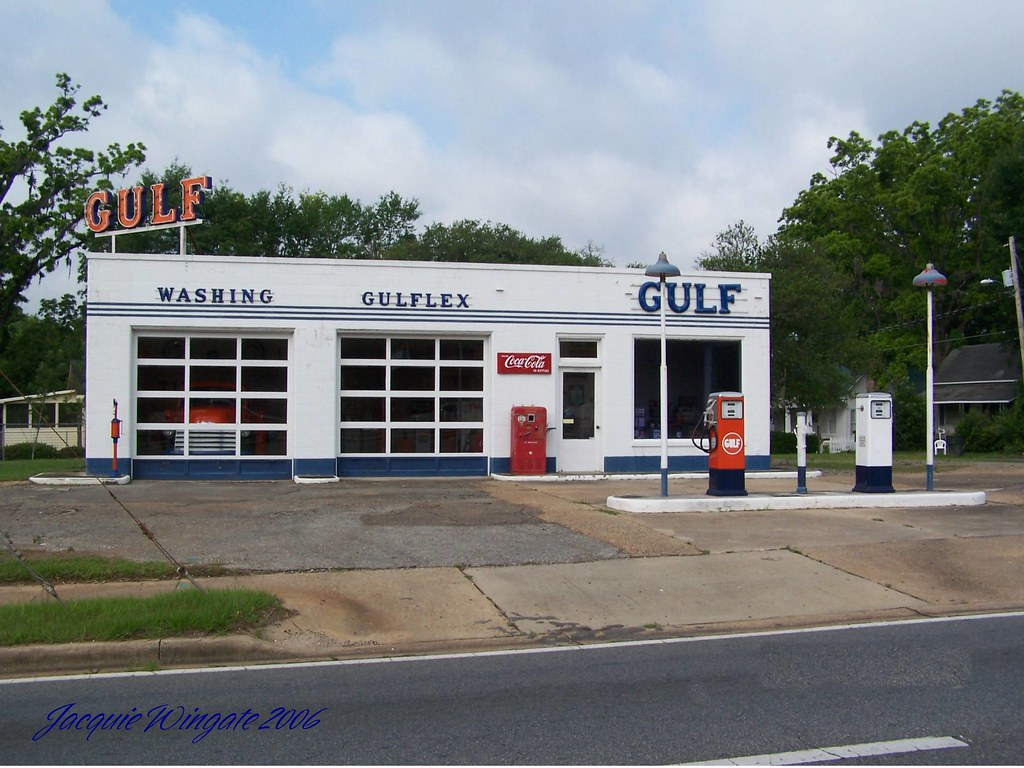 Vintage Gulf gas station | located in Quincy Florida on