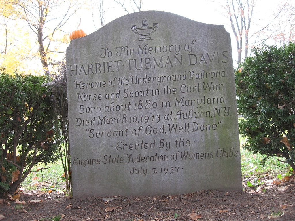 comparitive b w harriet jacobs and frederick Frederick douglass in the, narrative of the life of frederick douglass , and  harriet jacobs in the, incidents in the life of a slave girl , both wrote about their  lives.