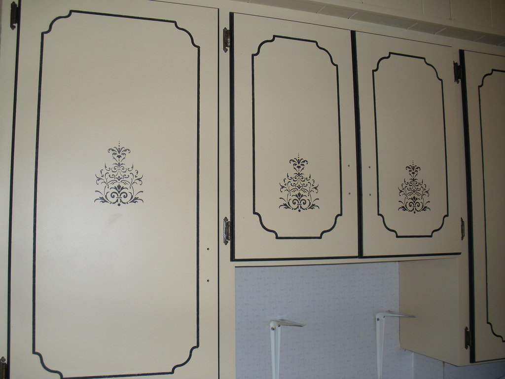 Kitchen Cabinets Painted w Stencil | Here is a closer image … | Flickr