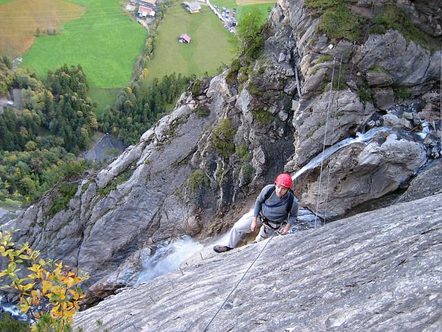 Klettersteig Bern : Toralf nach der seilbrücke am klettersteig kandersteg kau flickr