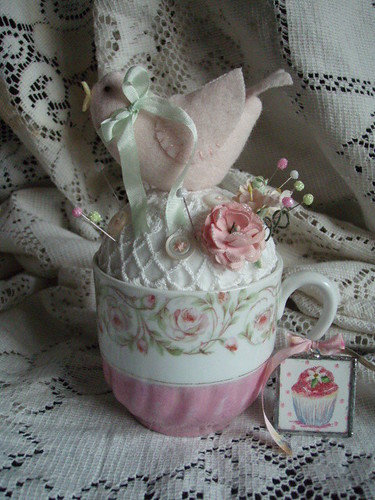 Teacup pincushion | by lauriescharmingdesigns